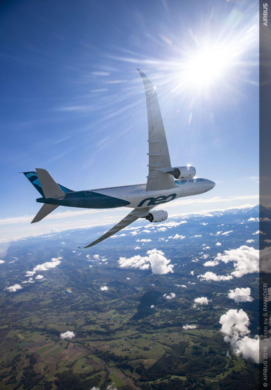 A330-800-MSN1888-first-flight-air-to-air-033