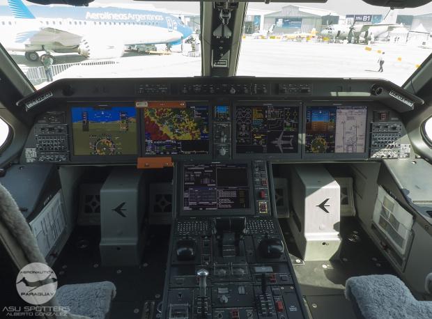 p1080842-kc-390-cockpit