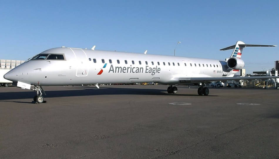 01-AmericanEagl-CRJ900-MesaAirlines