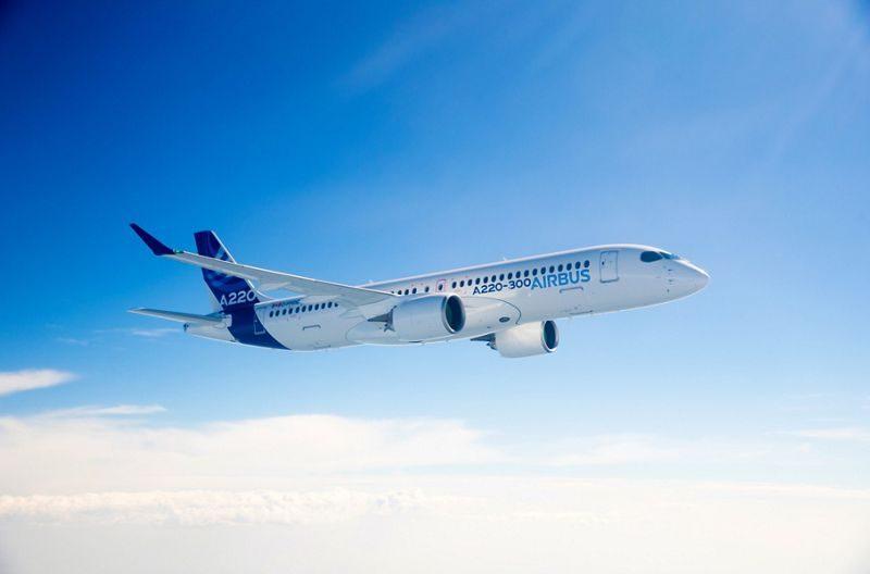 A220-300-in-flight-1-e1572255603298