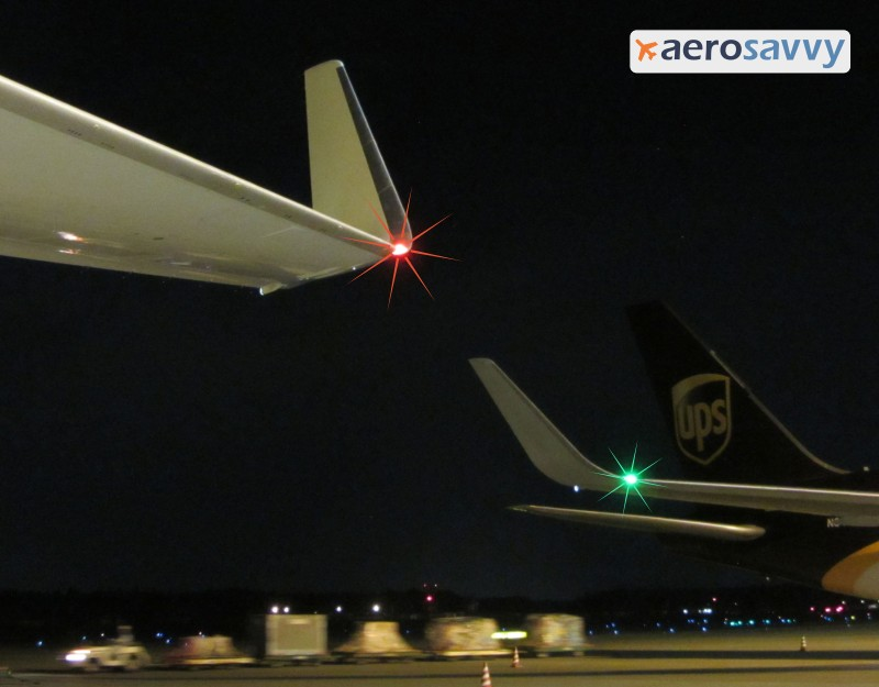 767 red and green position lights - Savvy Passenger Guide to Airplane Lights- AeroSavvy