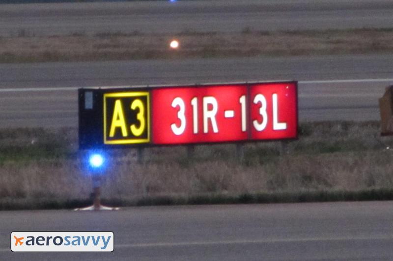 Taxi Sign - Airport Lights - AeroSavvy