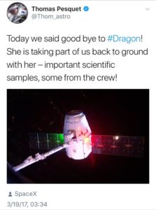 SpaceX Dragon position lights - Savvy Passenger Guide to Airplane Lights- AeroSavvy