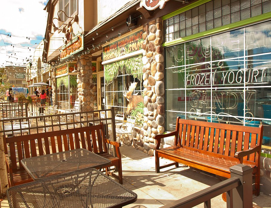 Commercial Windows can help your restaurant's storefront stand out to passersby