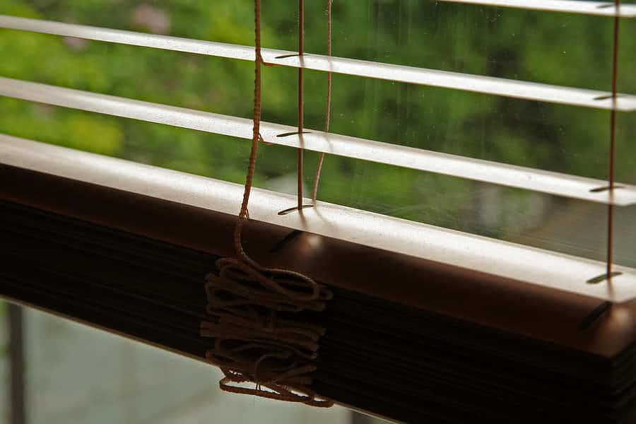 Should you choose Metal, Wood, Cloth, or Synthetic blinds from Aero Shade Co in Los Angeles?