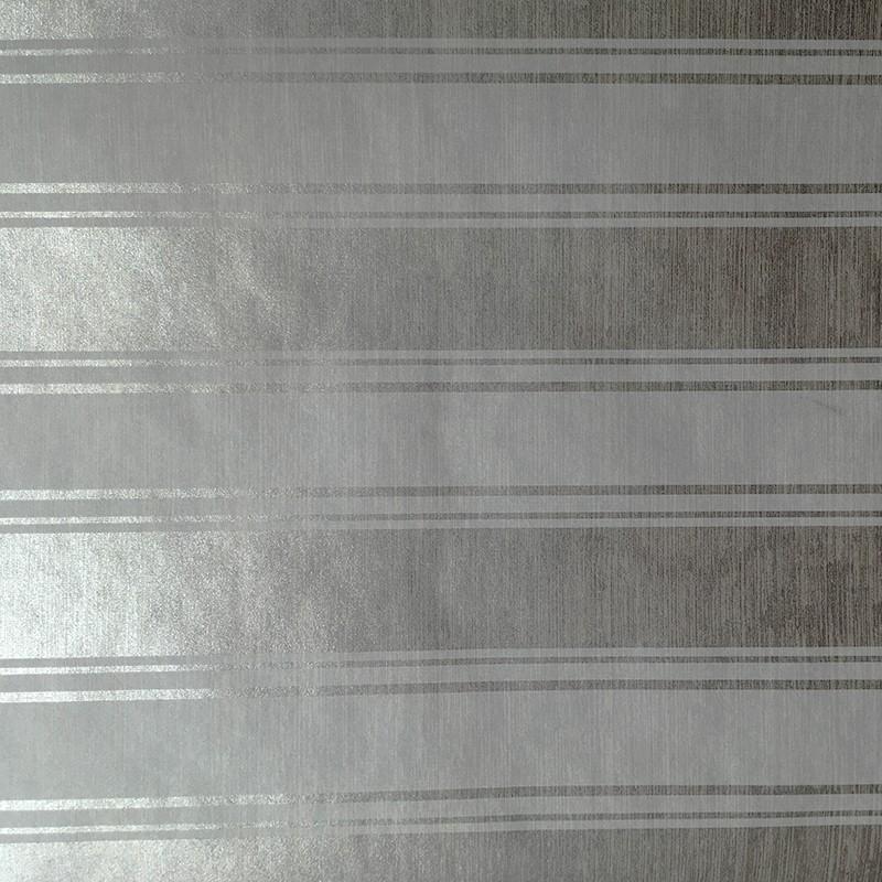 Plain stripe è la gamma di carte da parati a righe colorate, dallo spessore di 9 cm, prodotte col metodo tradizionale del xix secolo, con l'uso esclusivo delle vernici ad acqua farrow and ball. Carta Da Parati A Righe Bianche E Fondo Argento Presenza Di Glitter