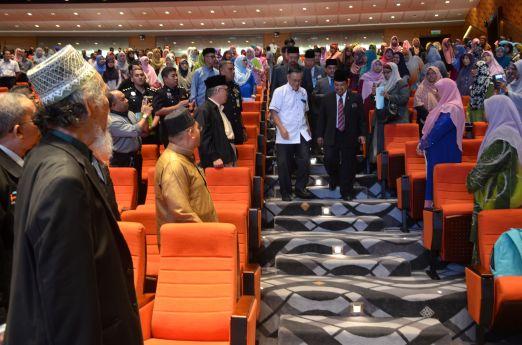 Malaysian minister of Islamic Affairs, YB Mejar Jeneral (B) Dato' Seri Jamil Khir Baharom arriving at the Wacana Liberalisme: Agenda Jahat Illuminati, Kompleks Islam Putrajaya, 17th January 2017.