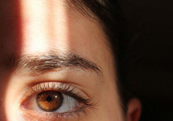 como evitar rugas no rosto olho