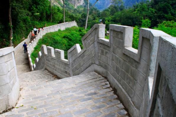 Replika Great Wall di Wisata Sumatera Barat