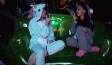 Miley-Cyrus-Ariana-Grande-Onesies-Happy-Hippy-Foundation-665x385 - copia