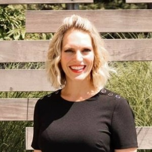 Dr Leah Spring