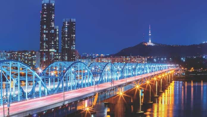 Seoul City skyline at Dongjak Bridge