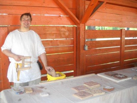 Lord Ian teaches his Inlaid Floor Tiles class (Photo credit: Mistress Hilderun)