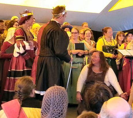 Lady Rachel Dalicieux receiving her Fleur. Photo by Lady Erlan Nordenskaldr.