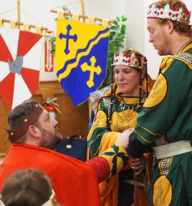 Baron Janos gives his oath as newest Companion of the Laurel.