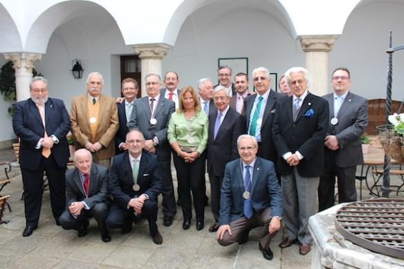 Miembros de la AEG con D. Rafael Anson