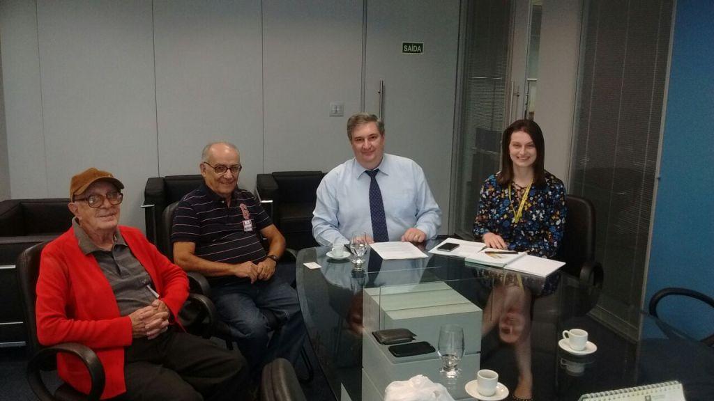 Diretores da AFABB-ES visitam a Superintendência do BB
