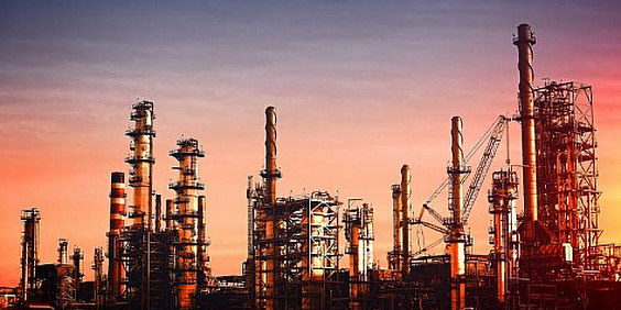oil-refinery-at-dusk–vivid-colors