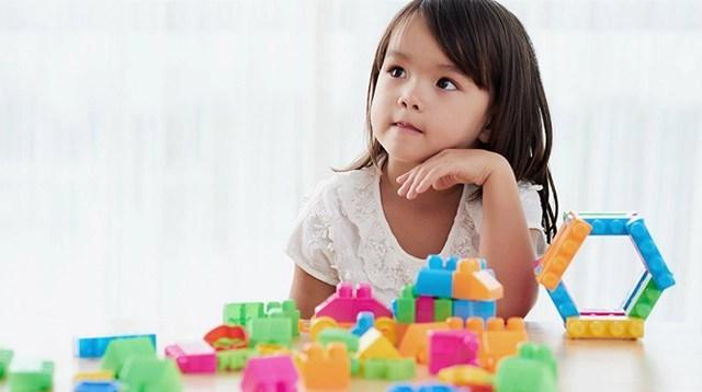 Kết quả hình ảnh cho trẻ dọn đồ chơi