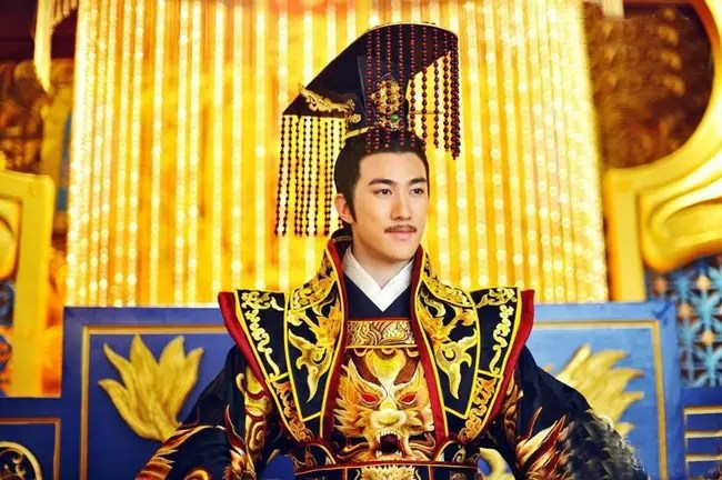 The Emperor `` deeply acted ''  Most Chinese history: Feigning foolishness for 36 years, having just been crowned has shown more wits than people, immediately executed opposers - Photo 2.
