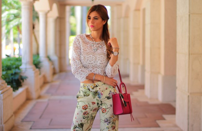 a fancy affair miami blogger fashion blogger amanda tur is wearing zara floral print wide leg pants with pink rebecca mink off bag and crotchet top from miami style mafia via velveteur perfect for summer and spring trend Coral gables miami florida