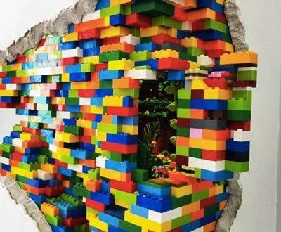 Incroyable installation murale Lego par Dante Dentoni