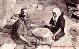 ds_2676-300x189 الأدوات والمعدات الامازيغية القديمة:أزرك تقاليد
