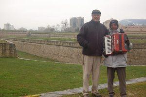 Josetxo y Stello en la ciudadela de Pamplona
