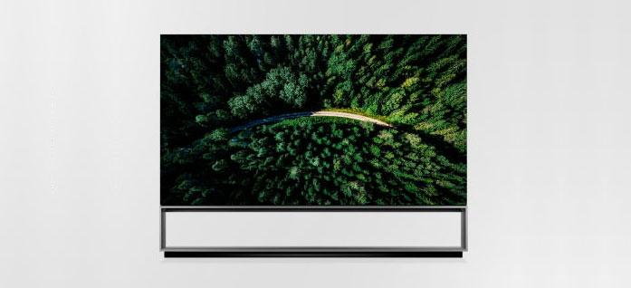 Seconda metà dell'anno per il TV arrotolabile R9 e l'OLED 8K Z9 di LG