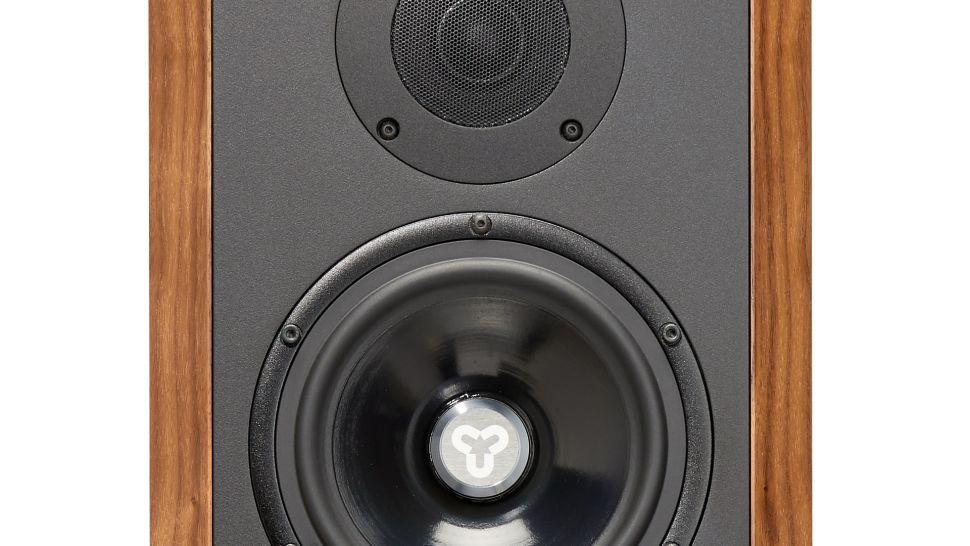 Diffusori Kudos Titan 505: tanta ingegneria al servizio del suono