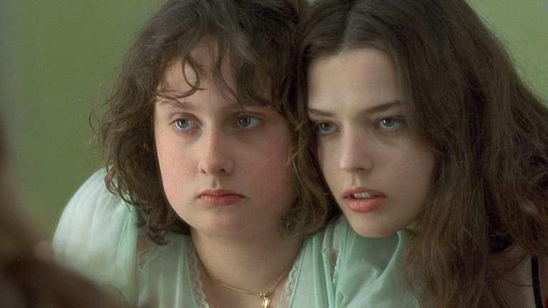 فيلم الدراما الفرنسي Fat Girl الفتاة السمينة مترجم للكبار
