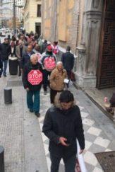 Acción en las puertas del Banco Popular