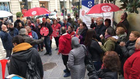 Contra el Santander y el Banco Popular
