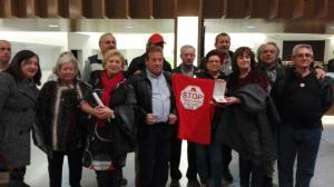 Entrega de la Medalla de Oro a Stop Desahucios Granada 15M