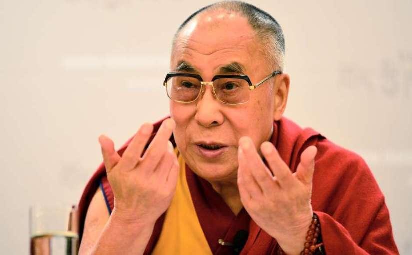 """""""Vamos trabalhar pela paz em vez de esperar pela ajuda de Deus, de Buda ou de governos"""""""