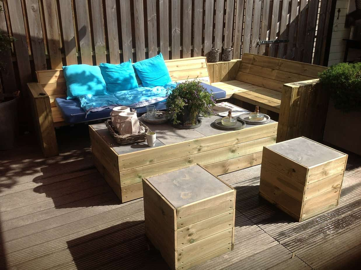 Selecting that perfect summer garden furniture