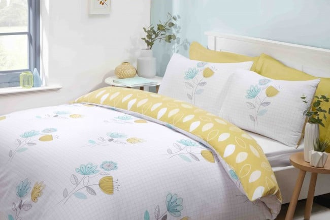 No guest bedroom: How to manage with duvet covers & bedding