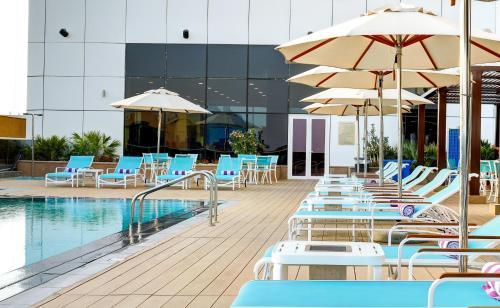 Отель Premier Inn Dubai Ibn Battuta Mall 3* Джумейра ...