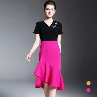 BUDELLY V-neck Short-Sleeve Dress
