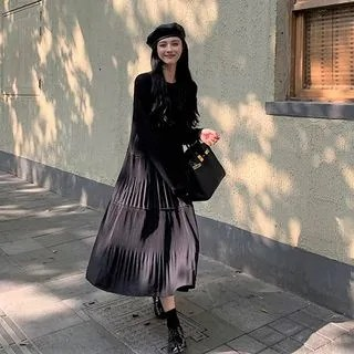 A7 SEVEN Long-Sleeve Pleated Midi Dress