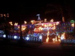 181146-christmas-lights-competition