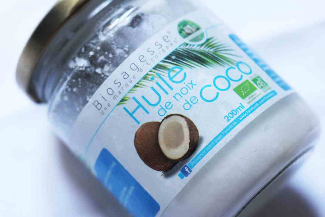Photo d'un bocal d'huile de coco