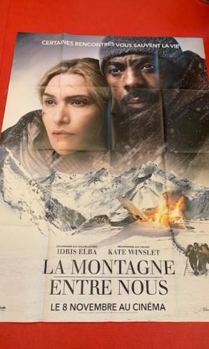 Affiche de cinéma La montagne entre nous