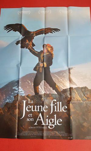 """Affiche de cinéma """"la jeune fille et son aigle"""""""