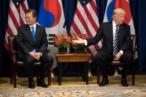 Moon Jae In receives an unwelcome task from Trump after the disaster in Hanoi