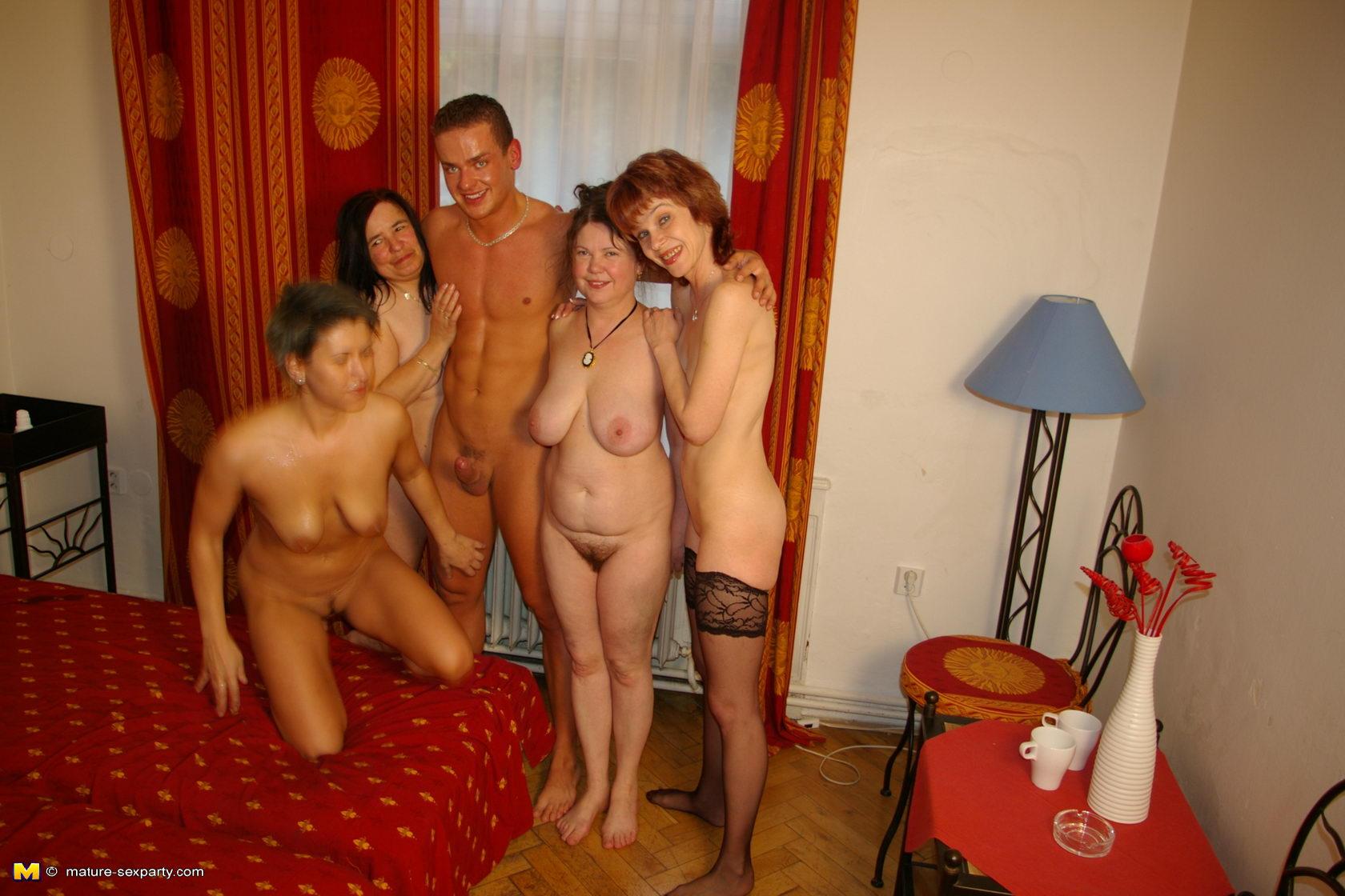mature amature party nudes