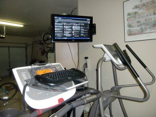 Treadmill desk keyboard and monitor