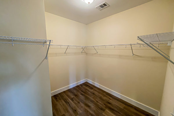 modular home walk in closet