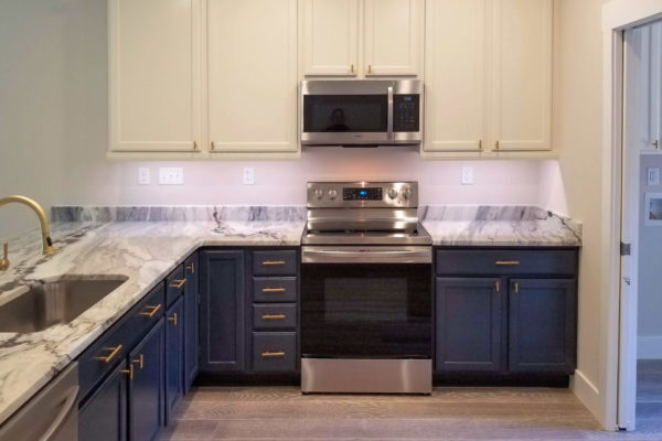 sapelo modular home kitchen