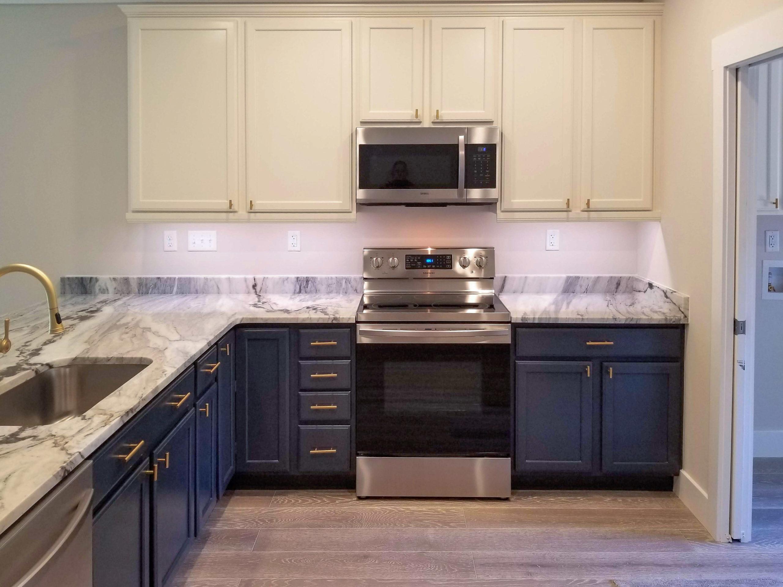sapelo modular home kitchen